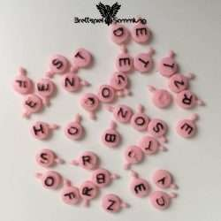 Buchstabensuppe Rosa Buchstaben